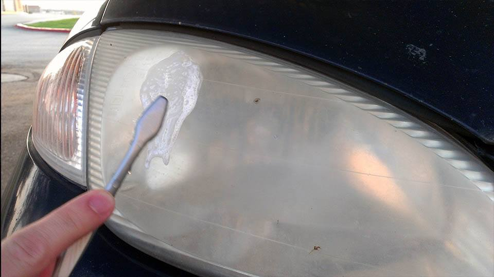 Use Toothpaste to Clean Those Headlights