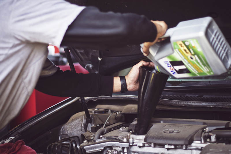 Change Your Own Oil Vs a Quick Lube Service